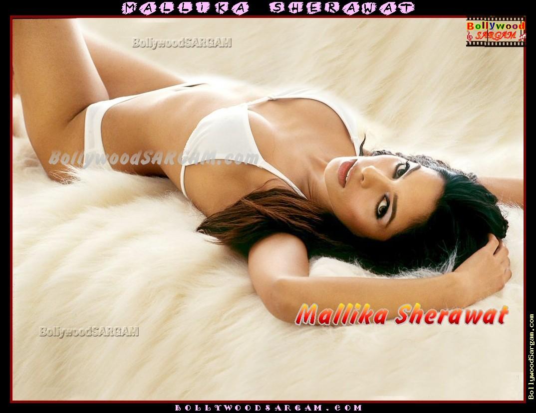 mallika_sherawat_bollywoodsargam_hot_591885.jpg