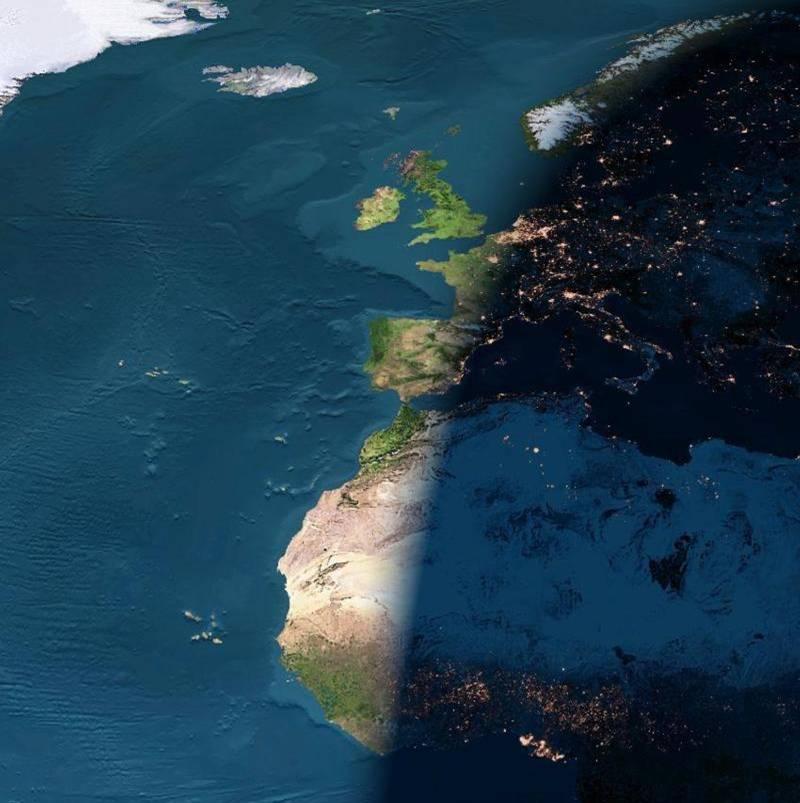 night-arrives-between-europe-and-africa.jpg