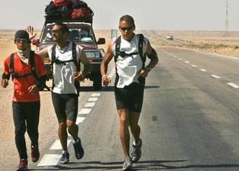 sahara_runners.jpg
