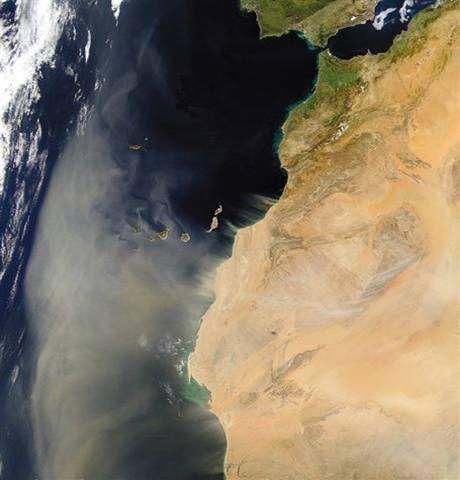 SANDSTORM LEAVING NORTH AFRICA TOWARDS THE ATLANTIC – CANARY ISLAND.jpg