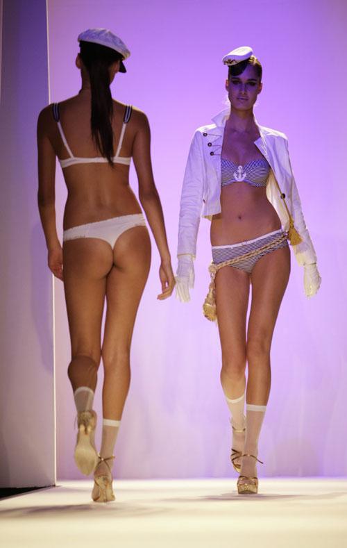underwear-show10.jpg