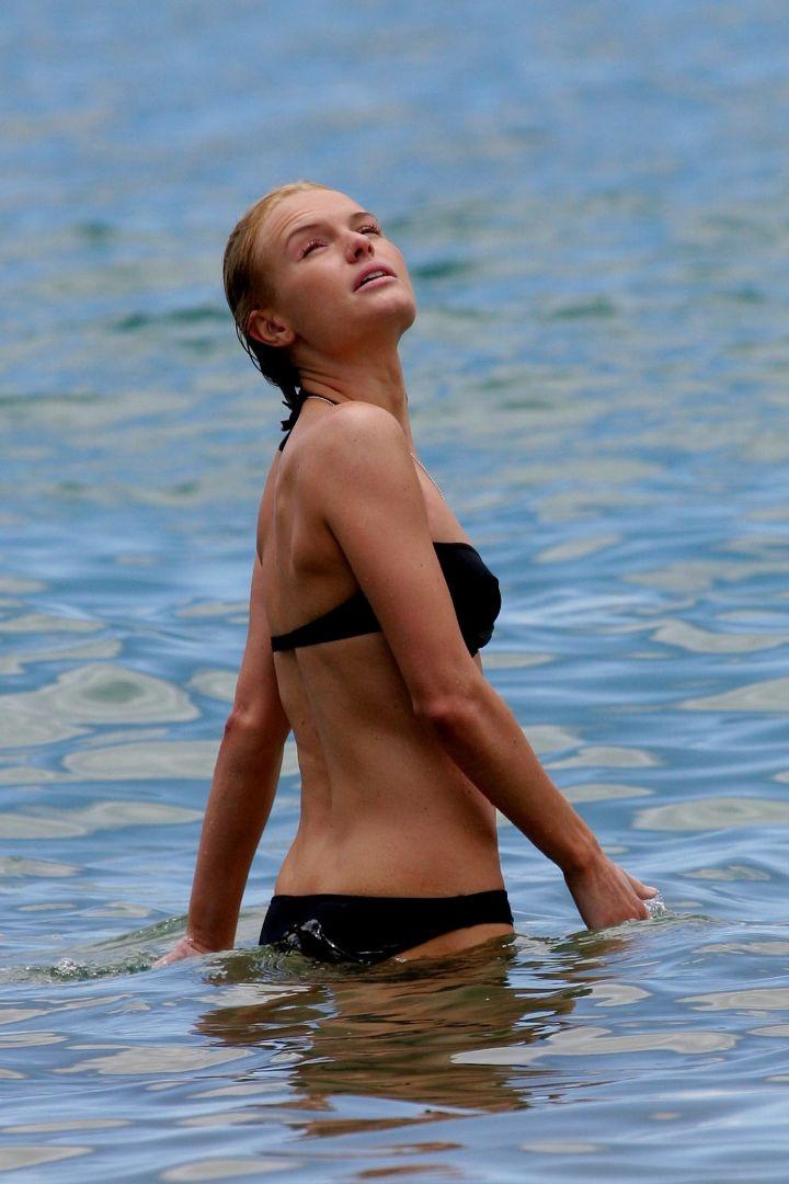 kate-bosworth-bikini-black-03.jpg