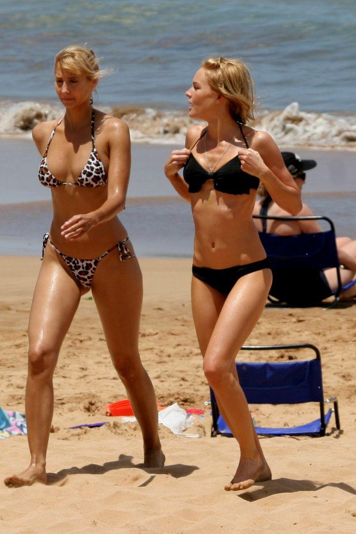 kate-bosworth-bikini-black-05.jpg