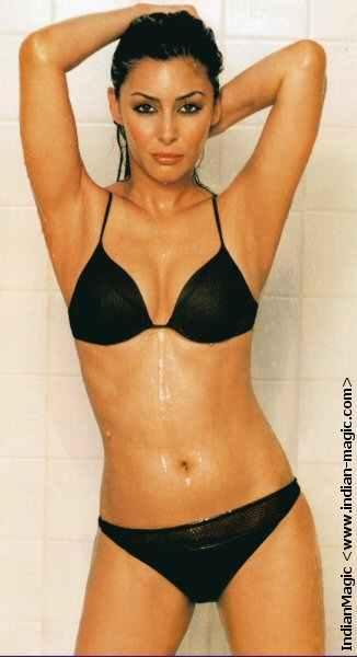 laila_rouass_in_bikini_3.jpg
