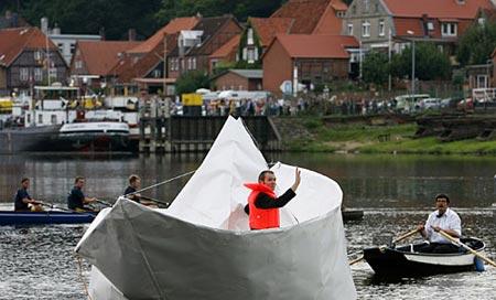 paperboat.jpg